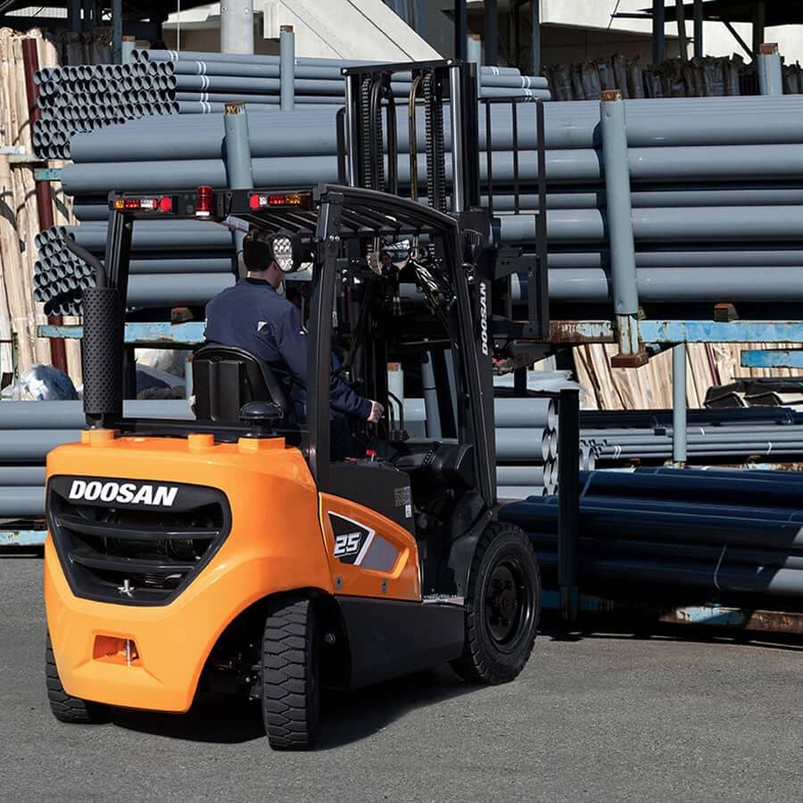 Doosan 9-Series 3.5 – 5.5 Tonne Forklift Trucks - KS Lift Trucks