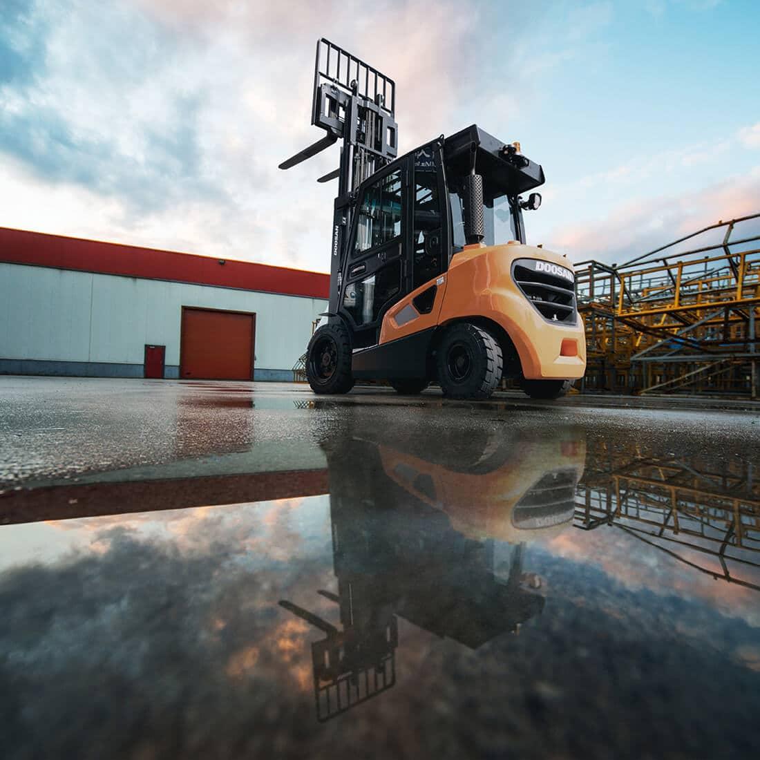 Doosan 9-series Diesel Forklifts - KS Lift Trucks