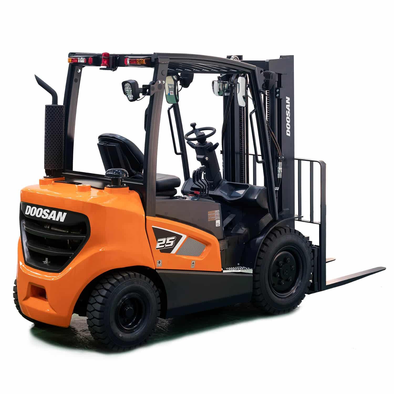 Doosan 3.5 tonne Diesel Forklift Truck Isolated - KS Lift Trucks