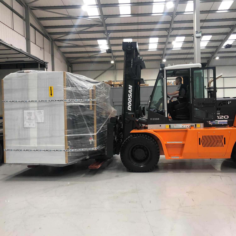 Side View - Doosan 7-series 10-25 tonne Diesel Forklift - KS Lift Trucks
