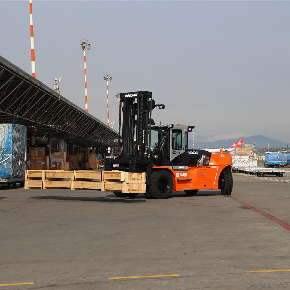 Doosan 7 Series Fork Lift - 10-25 Tonnes - KS Lift trucks