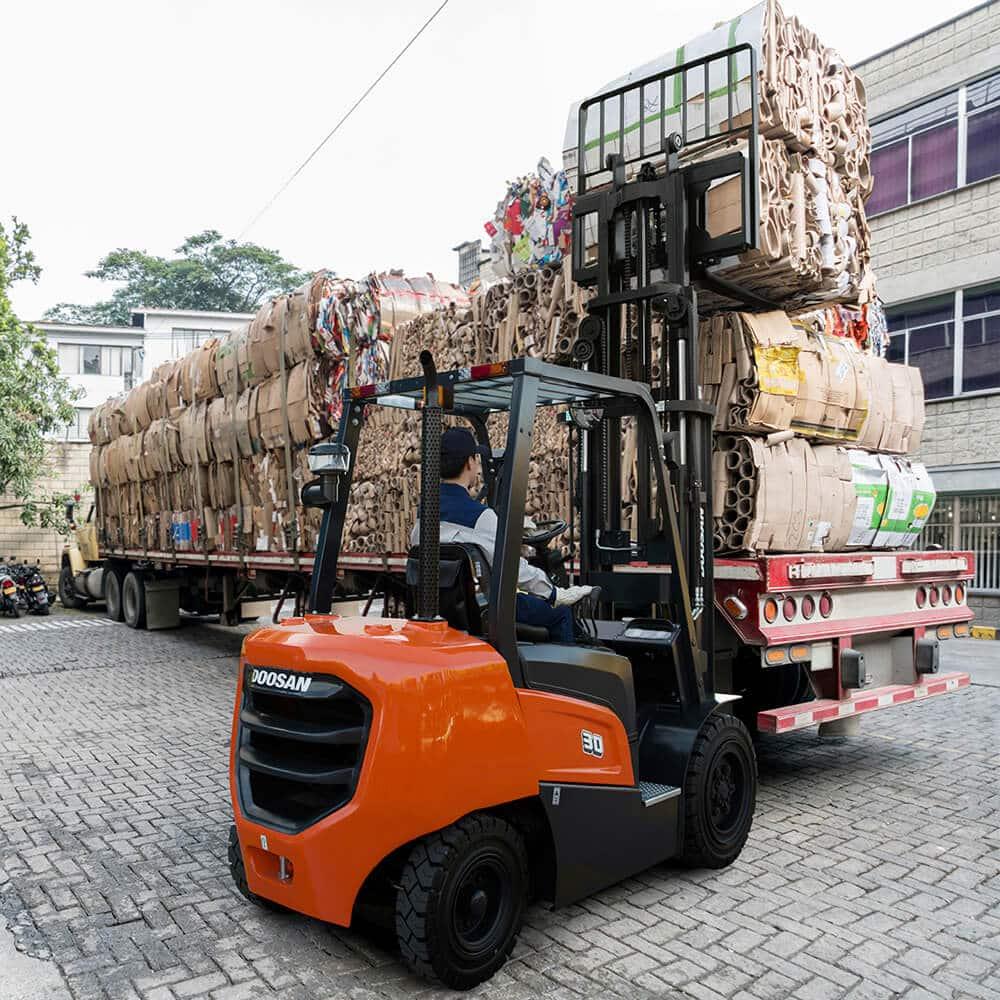 Doosan NX Plus Series Loading HGV - KS Lift Trucks