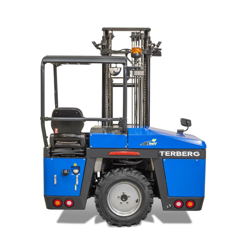 Terberg High Power Kinglifter Truck: TKS/TKM 2nd Side View